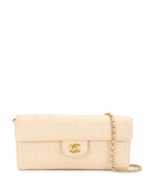 Chanel Pre-Owned 2002 Choco Bar shoulder bag in white