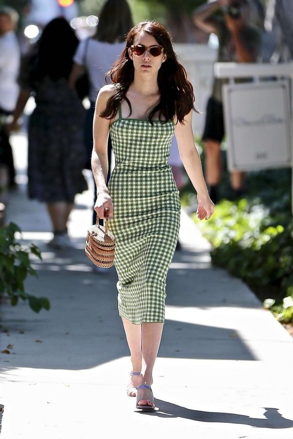 dress gingham gingham dresses emma roberts celebrity midi dress summer dress