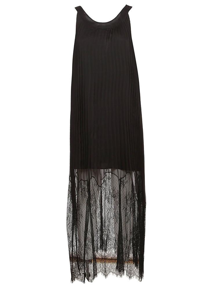 Mcq Alexander Mcqueen Pleated Lace Maxi Dress in black