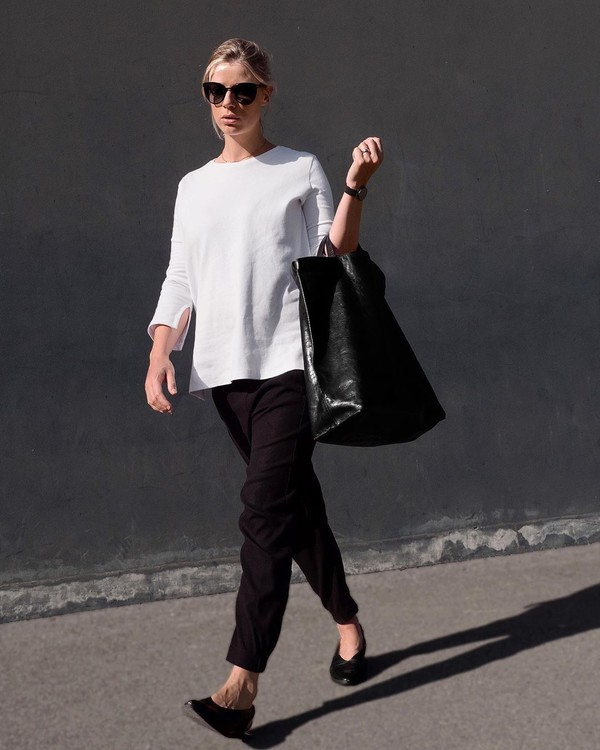 sweater white sweater maternity black pants ballet flats black bag