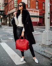 coat,black coat,fall outfits,streetstyle,streetwear,model off-duty,instagram,fashion vibe,fashion inspo