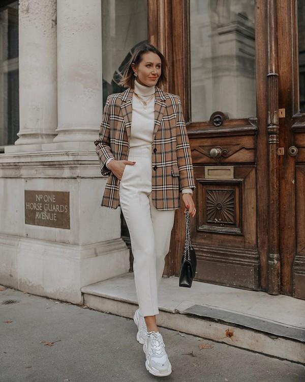 jacket plaid blazer sneakers white pants white turtleneck top black bag