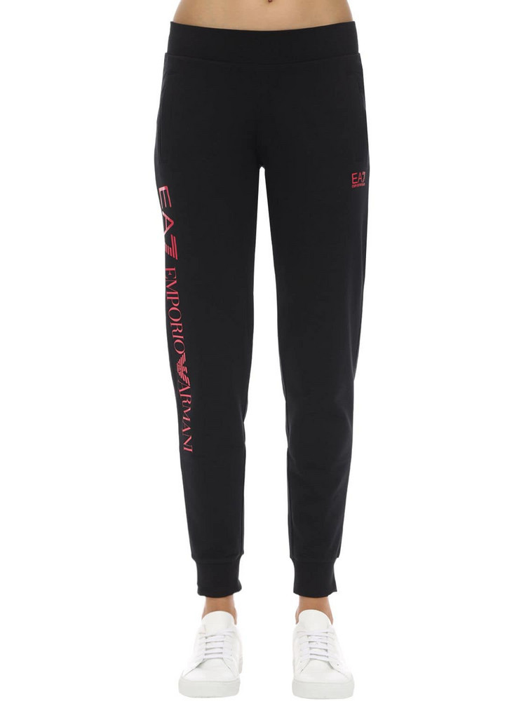 EA7 EMPORIO ARMANI Train Stretch Cotton Sweatpants in black / pink
