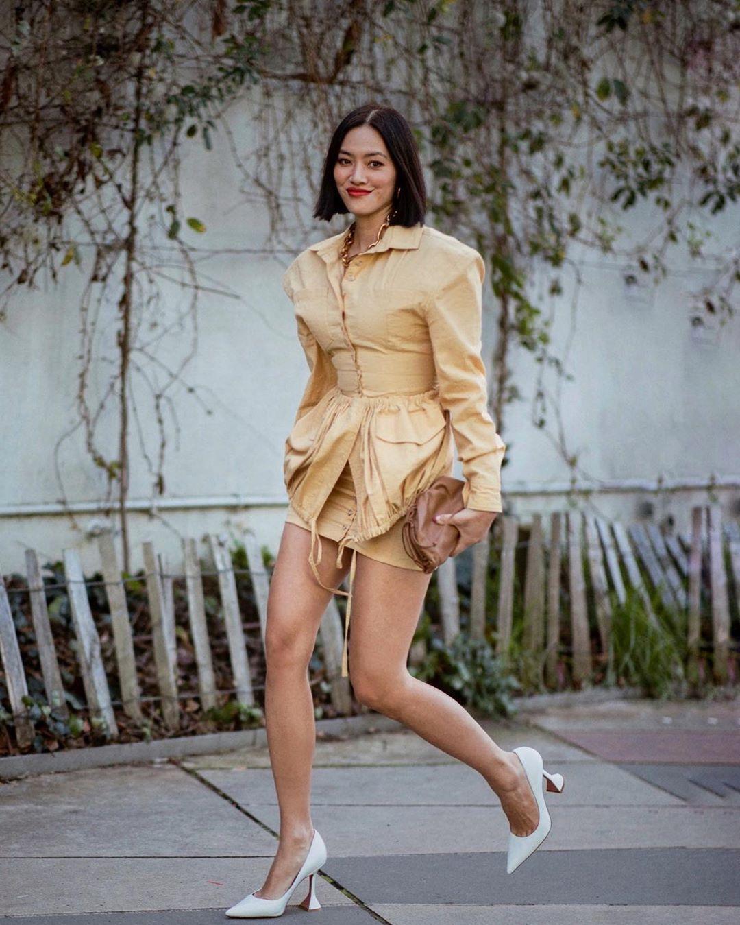shoes pumps jacket mini skirt jacquemus brown bag