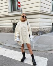 sweater,oversized sweater,cable knit,black boots,black bag
