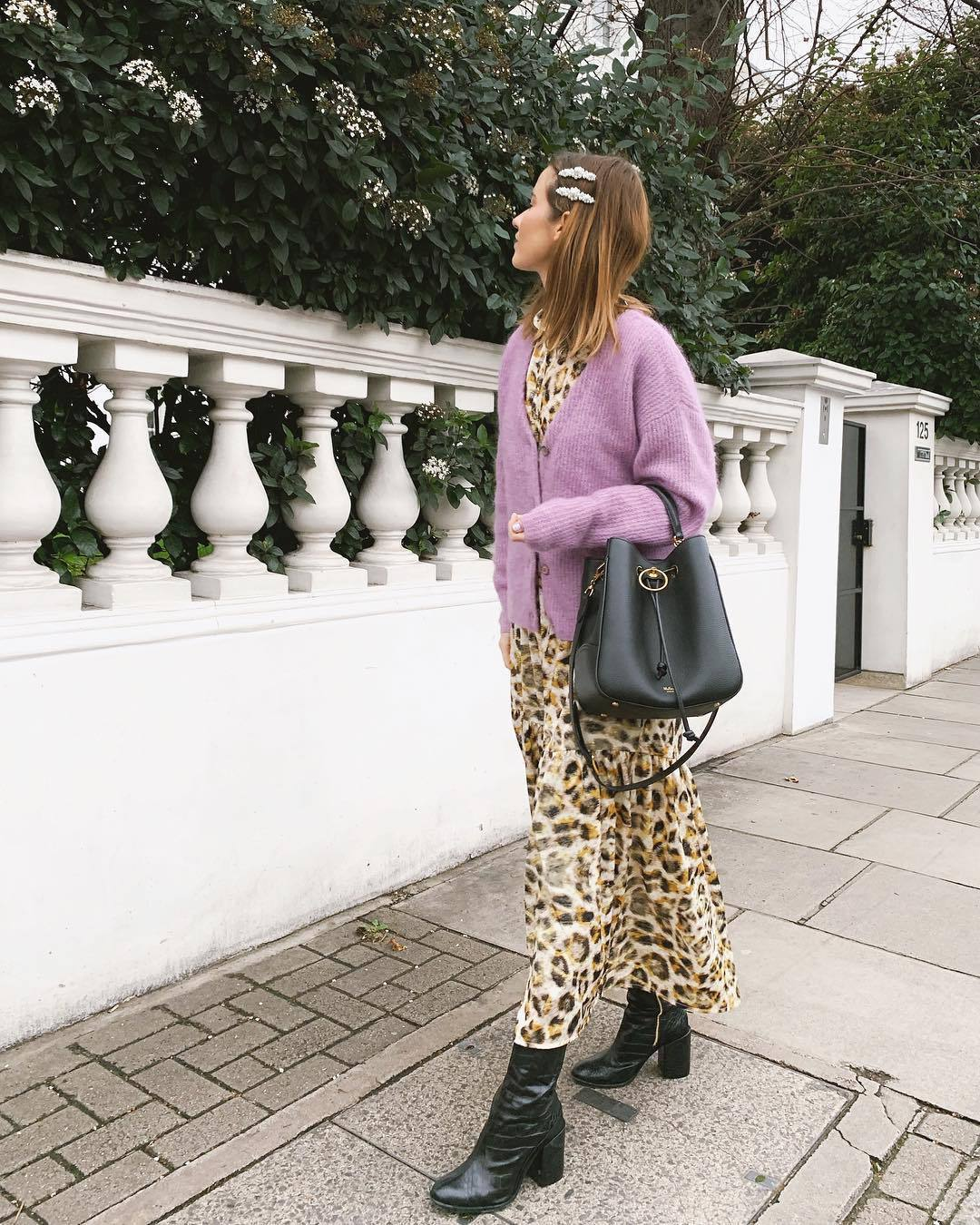 sweater cardigan v neck black boots heel boots leopard print maxi dress black bag shoulder bag