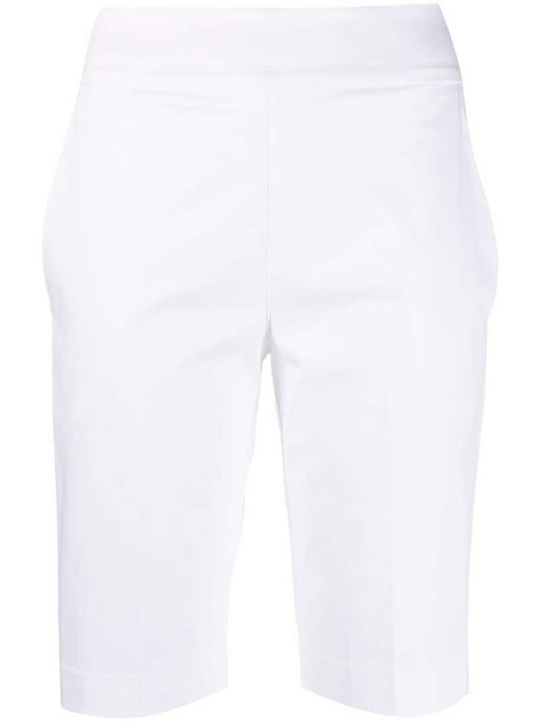 D.Exterior tailored knee-length shorts in white