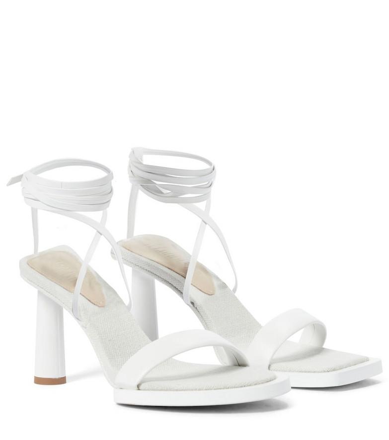 Jacquemus Les Carrés Ronds leather sandals in white