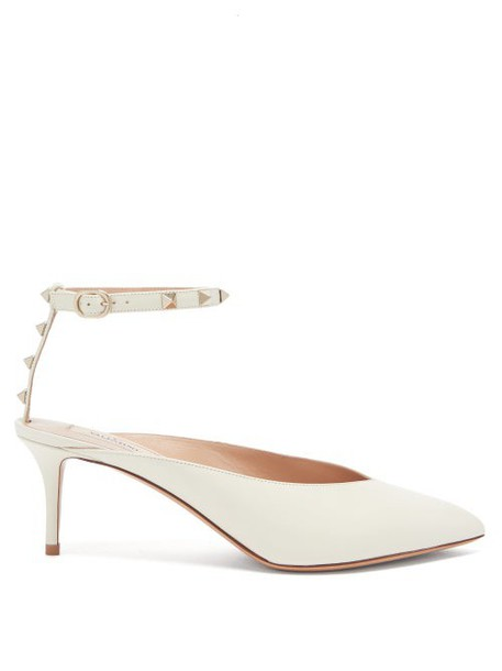 Valentino - Rockstud Hype Leather Pumps - Womens - Cream