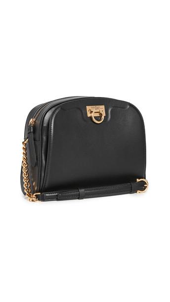 Salvatore Ferragamo Trifolio Camera Bag in nero