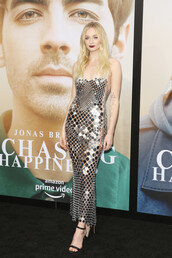 dress,sequins,sequin dress,metallic,celebrity,gown,prom dress,silver,sophie turner