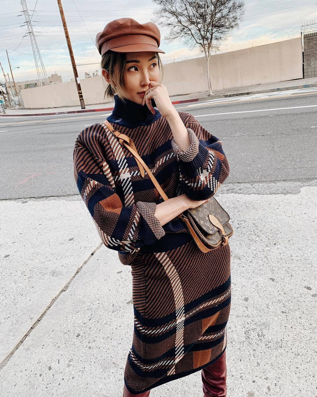 sweater turtleneck sweater knitted sweater midi skirt knitted skirt over the knee boots louis vuitton bag beret
