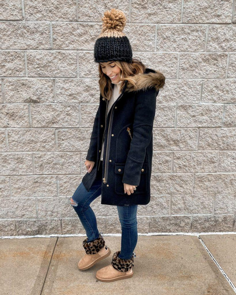 mrscasual blogger coat shoes sweater jeans hat bag