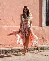 skirt,maxi skirt,high waisted skirt,flat sandals,belt,white crop tops