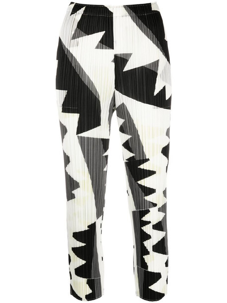 Pleats Please Issey Miyake abstract-print cropped trousers in black
