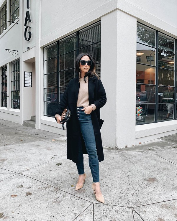 jeans high waisted jeans skinny jeans black coat pumps sweater bag