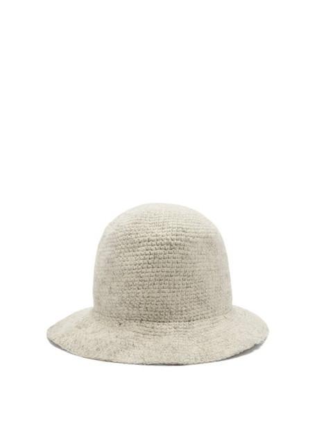 Reinhard Plank Hats - Knitted Wool Bucket Hat - Womens - White