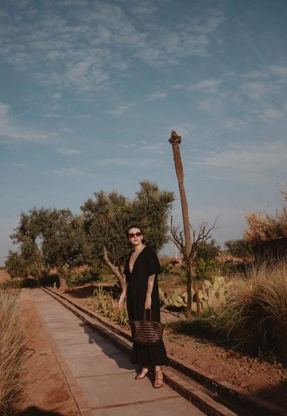 sophie van daniels fashion & lifestyle blog with an addiction to interiør design blogger dress shoes bag sunglasses