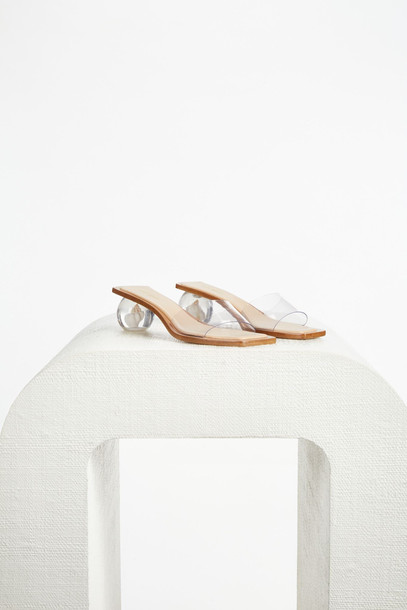 Cult Gaia Tao Shell Sandal - Clear (PREORDER)                                                                                               $408.00