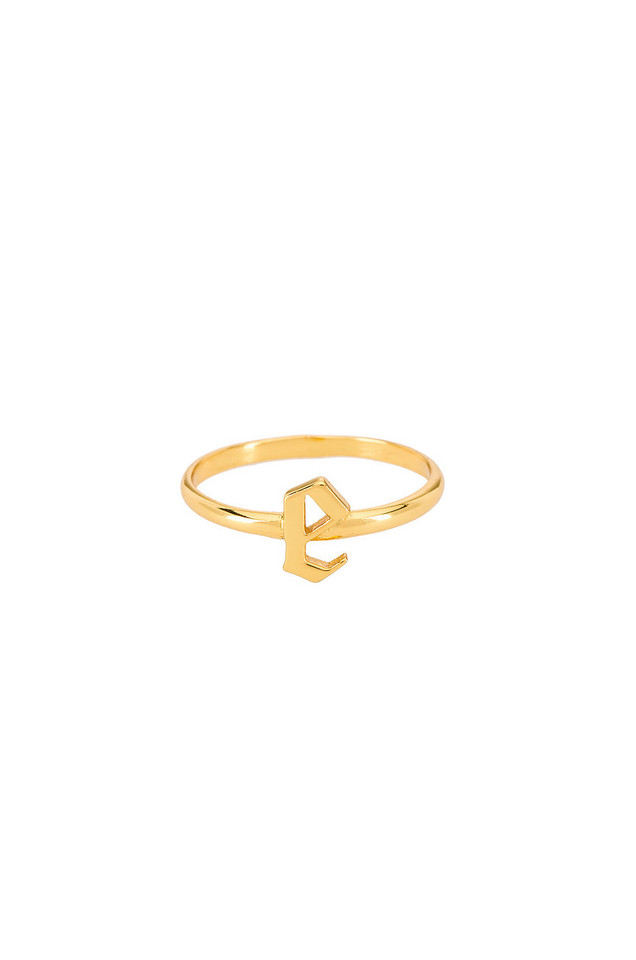The M Jewelers NY The Gothic Letter E Ring in gold / metallic