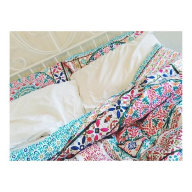 scarf bedding