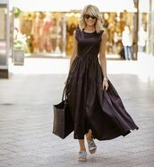 dress,black dress,maxi dress,all black everything,bag,black bag,sunglasses