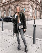 jeans,skinny jeans,grey jeans,black boots,crossbody bag,faux fur coat,white top,long sleeves