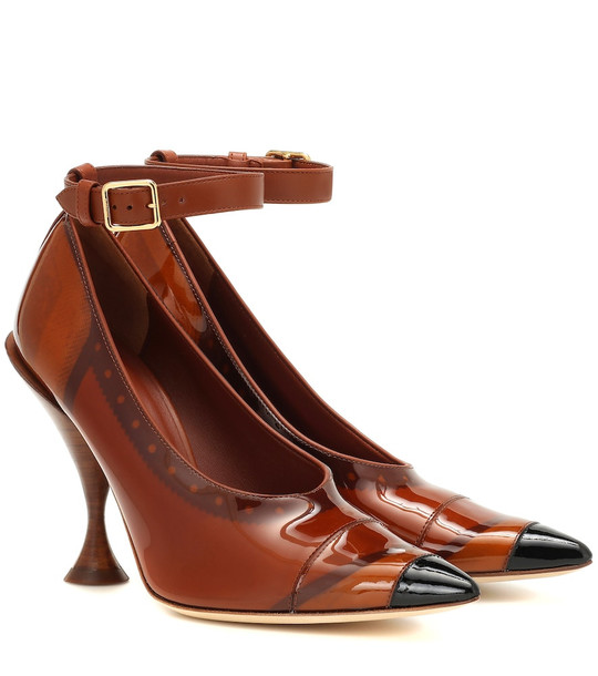 Burberry Patent leather pumps in brown