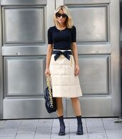 shoes,heel boots,bottega veneta,midi skirt,black bag,black t-shirt