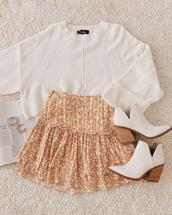 jewels,shoes,sweater,skirt