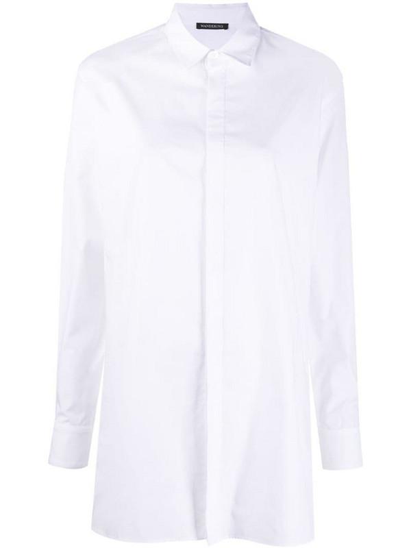 Wandering longsleeved cotton shirt in white
