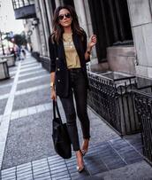 jeans,black skinny jeans,high waisted jeans,cropped jeans,black bag,shoulder bag,pumps,black blazer,top
