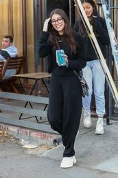 pants,madison beer,celebrity,casual,sweatshirt,sweatpants,black