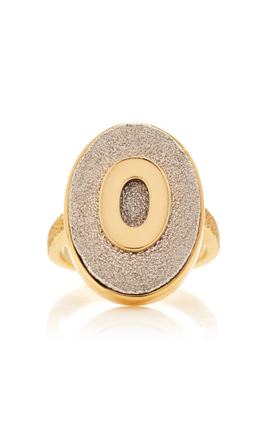 Carolina Bucci Florentine Initial Ring Size: 5 in gold