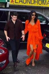 dress,red dress,priyanka chopra,celebrity