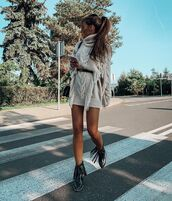 dress,knitted dress,turtleneck dress,ankle boots,fringes,bag