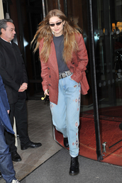 jeans,gigi hadid,model off-duty,blazer,fashion week,celebrity,streetstyle