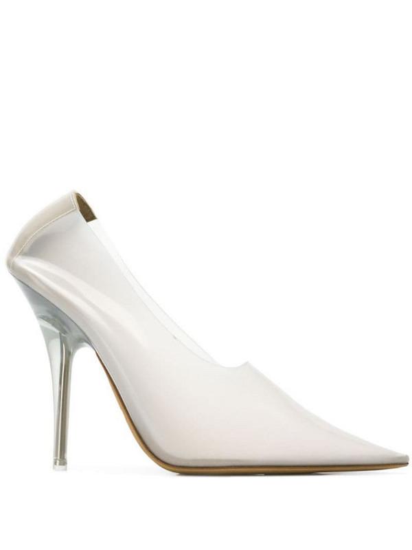 Yeezy slip-on pumps in white