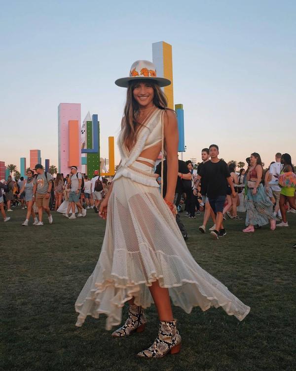 dress white dress maxi dress fringes cute dress ankle boots snake print crossbody bag