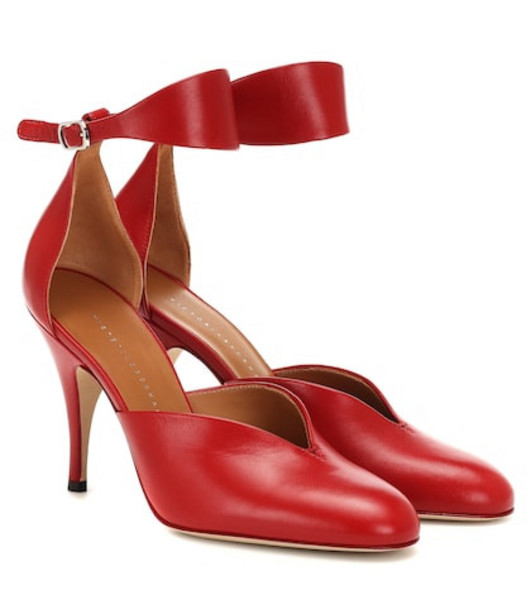 Victoria Beckham Leather pumps in red