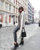 coat,long coat,black boots,ankle boots,leather pants,black bag,pearl,cardigan,black t-shirt