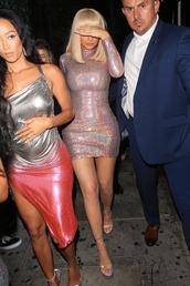dress,kylie jenner,kardashians,celebrity,mini dress,sandals,sequins,sequin dress,metallic,gold sequins,gold