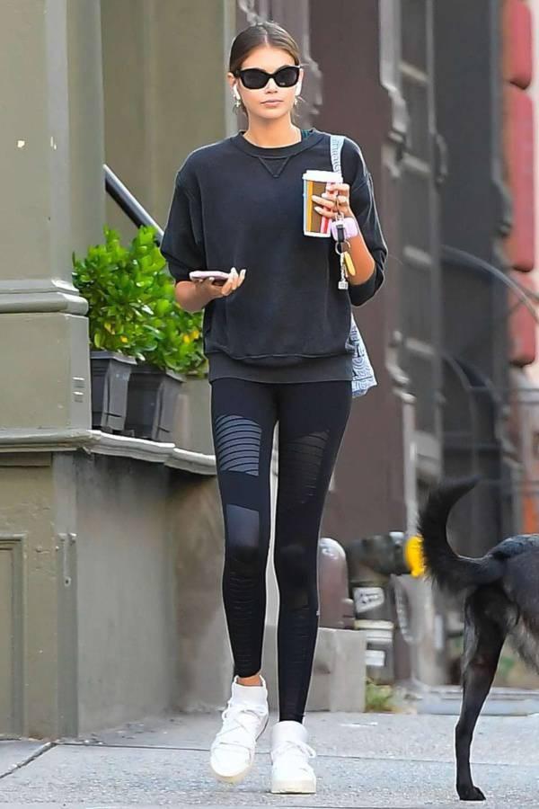 pants kaia gerber model off-duty leggings sweatshirt sportswear casual