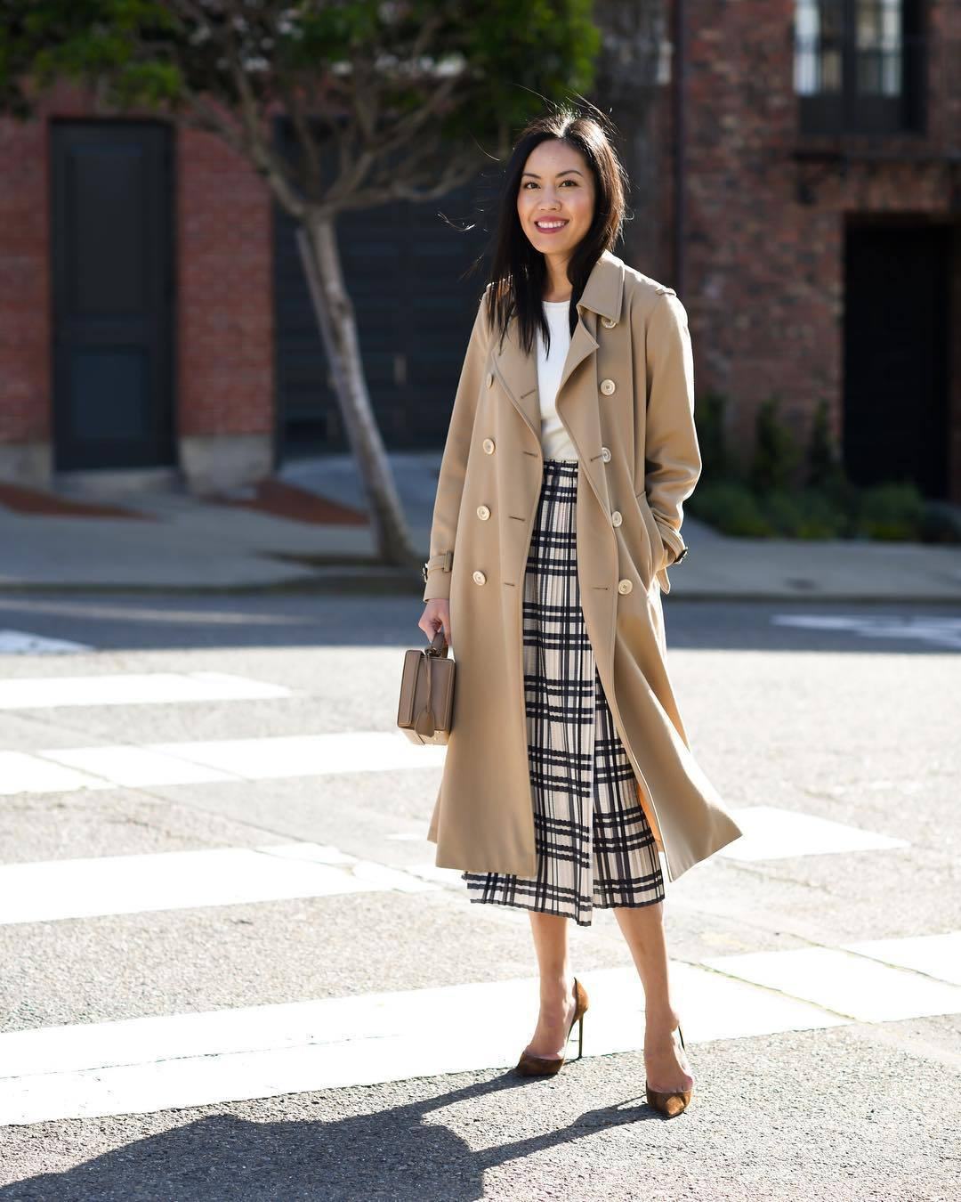 skirt pleated skirt high waisted skirt black and white pumps camel coat handbag white top