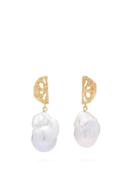 Nadia Shelbaya - 200 Fan Pearl & Gold Earrings - Womens - Pearl