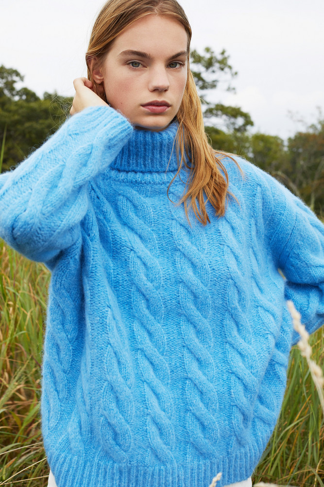 Mansur Gavriel Alpaca Wool Oversized Cable Knit Turtleneck - Sky Blue