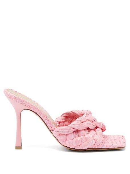 Bottega Veneta - Stretch Intrecciato Raffia Mules - Womens - Pink