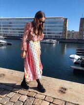 dress,midi dress,pleated dress,long sleeve dress,black shoes,tights