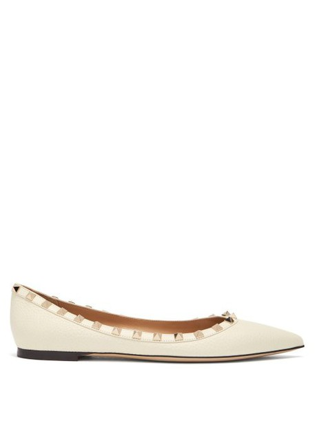 Valentino - Rockstud Grained Leather Flats - Womens - White