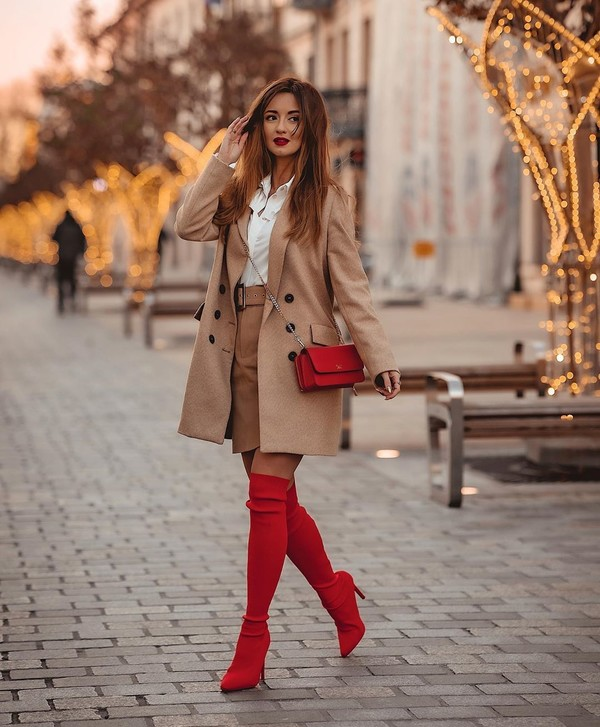 shoes over the knee boots red boots mini skirt white shirt red bag beige coat